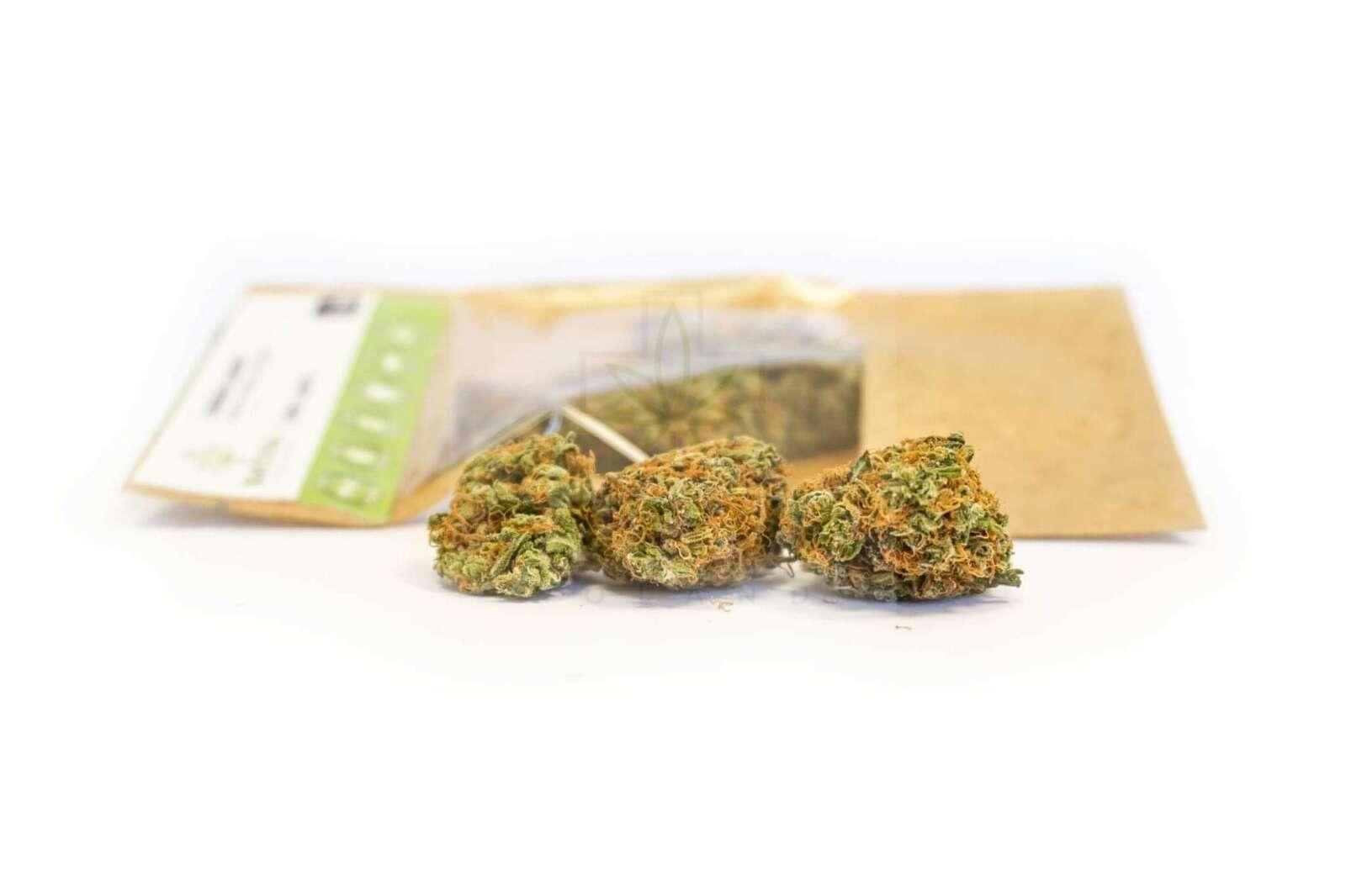 Susz-Green-Candy-Kwiaty-Konopi-Wloknistych-CBD (1)